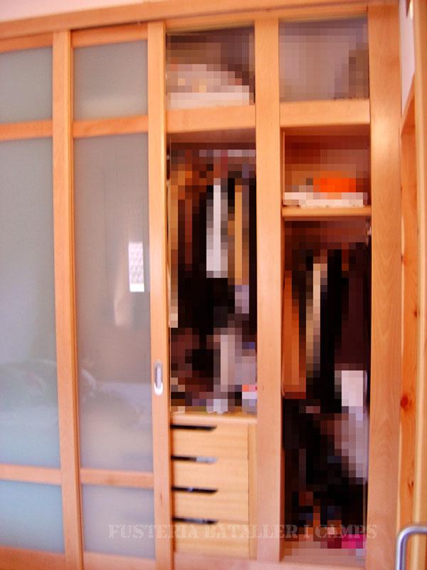 Portes armari correder faig natural obertes