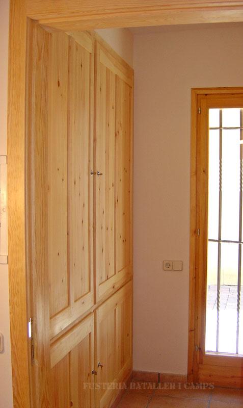 Portes armari pi massis natural lateral