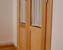 Portes armari plafo llis i vidre faig natural inferior