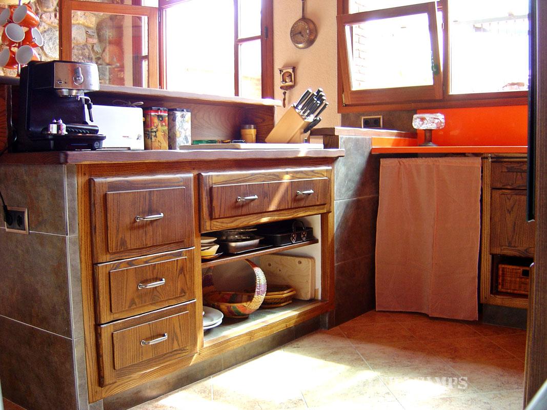 Cuina rustica taronja Freixa armaris 1