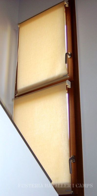 Conjunt de dos finestres Iroko