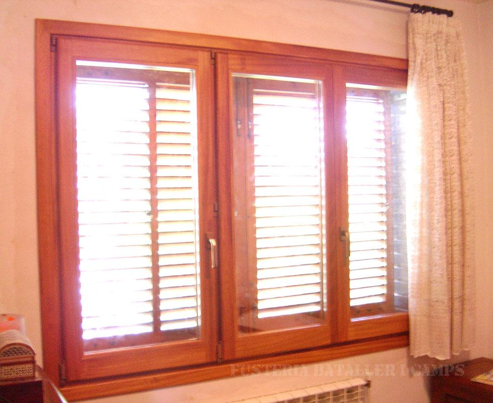 Conjunt finestres Iroko