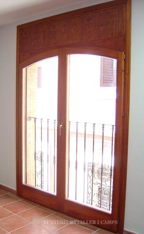 Finestres balconeres Iroko 3