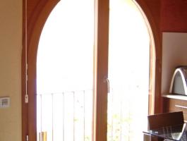 Balconera iroko.jpg