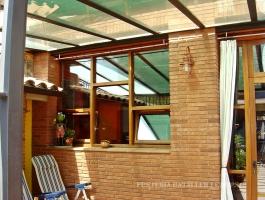 Conjunt finestres oscil·lobatents exterior