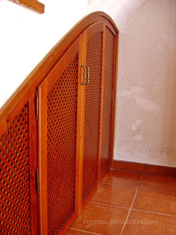 Tancament forat escala portes pi lateral 2.jpg
