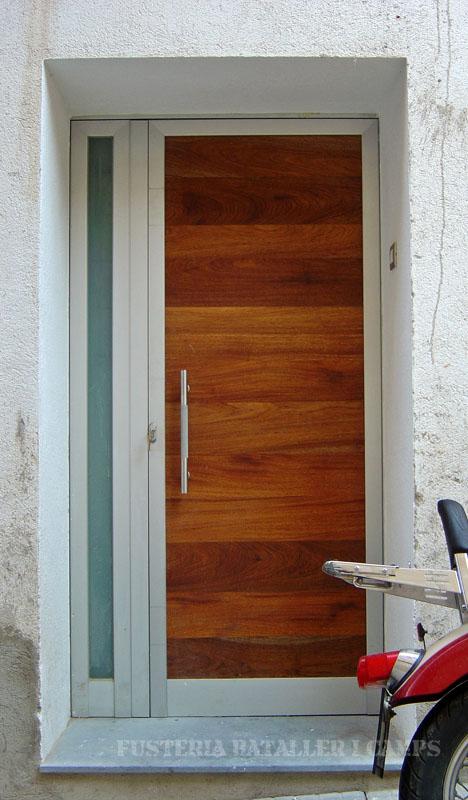 Porta alumini plafo niangon 1.jpg