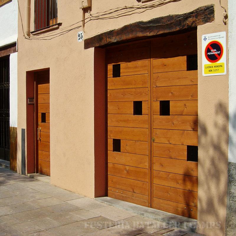 Porta exterior pi amb color 2.jpg