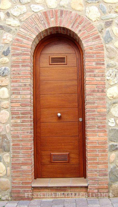 Porta exterior plafó japonès Iroko
