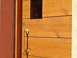 Porta exterior pi amb color 4.jpg